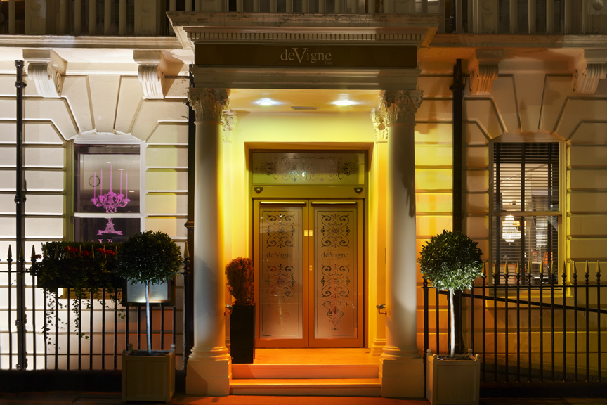 The mandeville hotel a few steps away from the hotspots for Design hotel few steps from the david